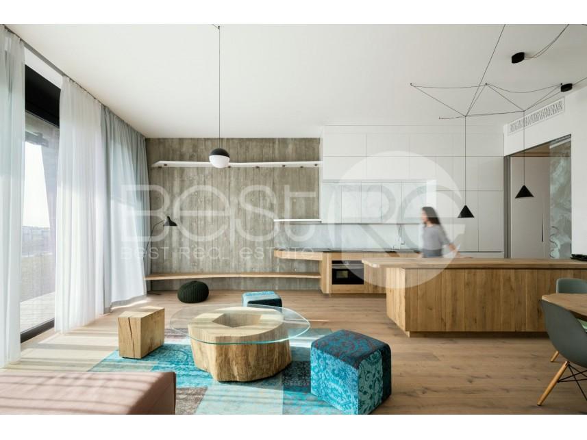 Stan u urbanoj vili, Prodaja, Savski Venac (Beograd), Senjak