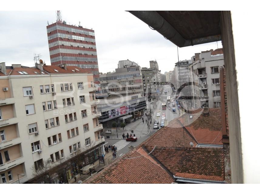 Stan u zgradi, Prodaja, Stari Grad (Beograd), Trg Republike