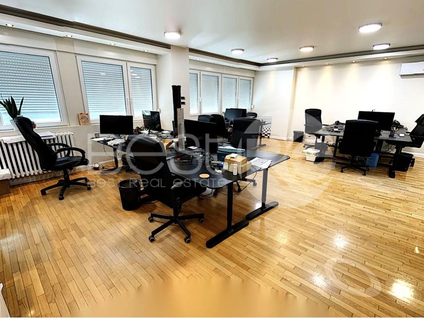 Kancelarija, Izdavanje, Novi Beograd (Beograd), Blok 39 (Fakultet dramskih umijetnosti)