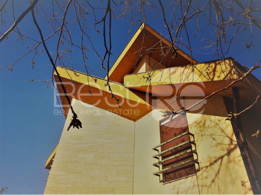 Luksuzna kuća, Izdavanje, Čukarica (Beograd), Banovo brdo