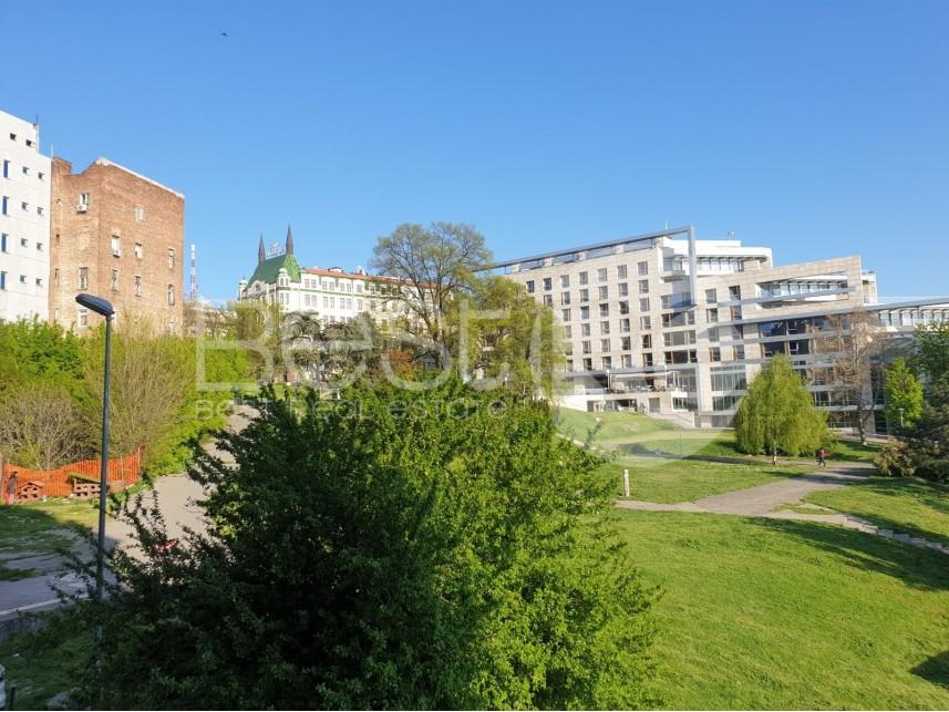 Stan u zgradi, Izdavanje, Stari Grad (Beograd), Terazije