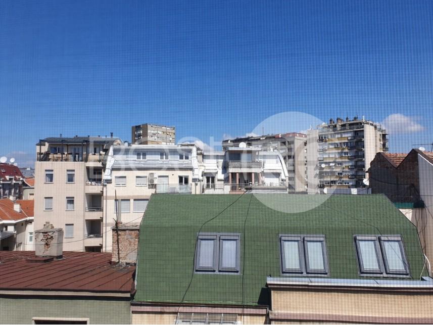 Stan u zgradi, Prodaja, Vračar (Beograd), Hram Svetog Save