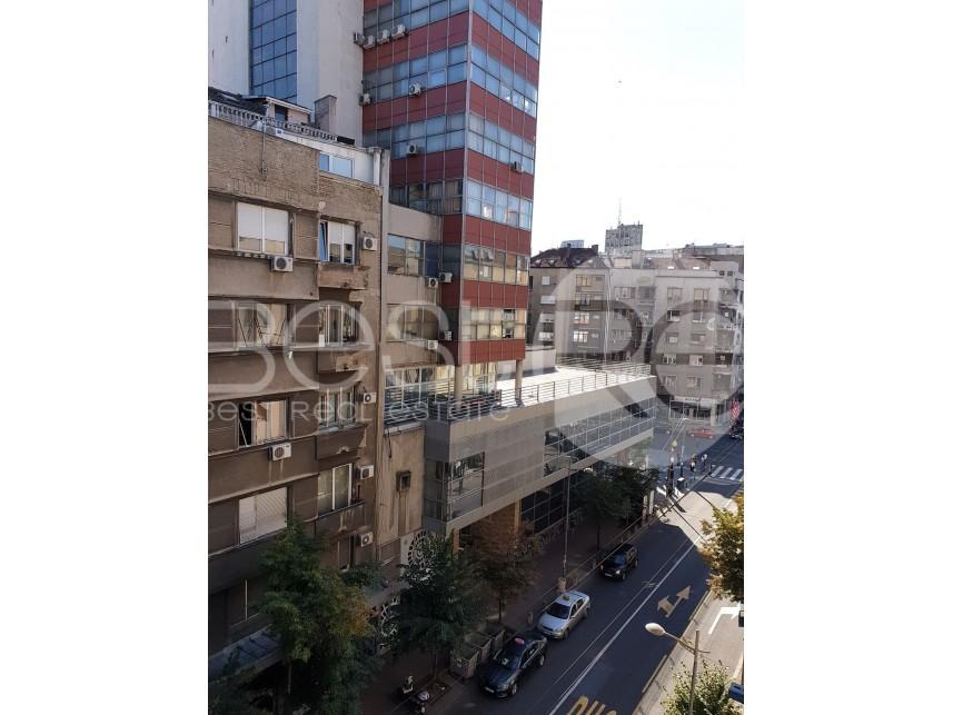 Stan u zgradi, Izdavanje, Stari Grad (Beograd), Dom omladine