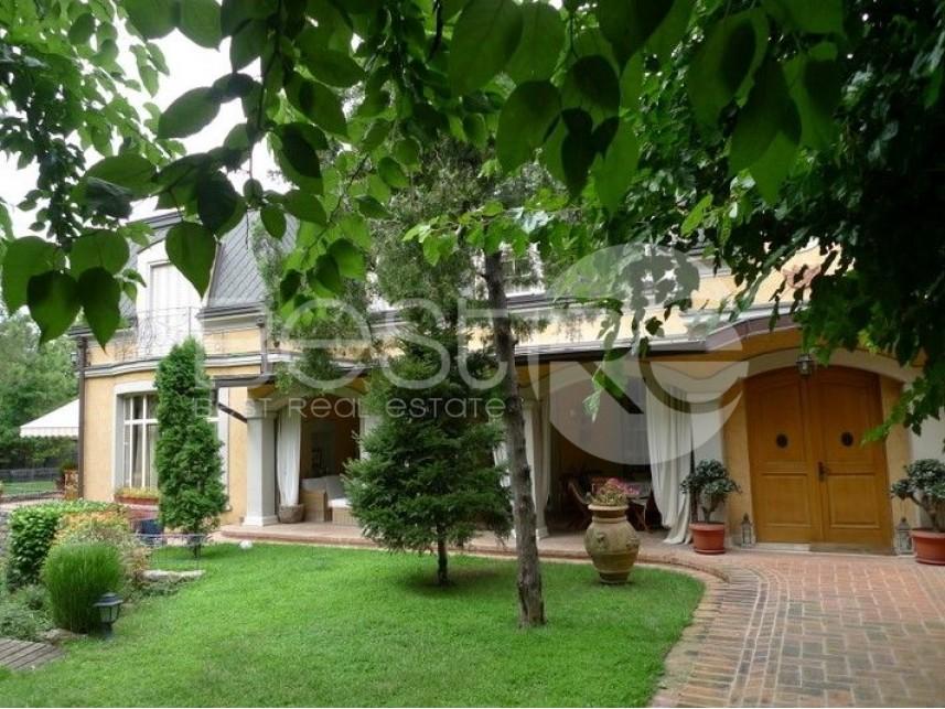 Porodična kuća, Prodaja, Savski Venac (Beograd), Senjak