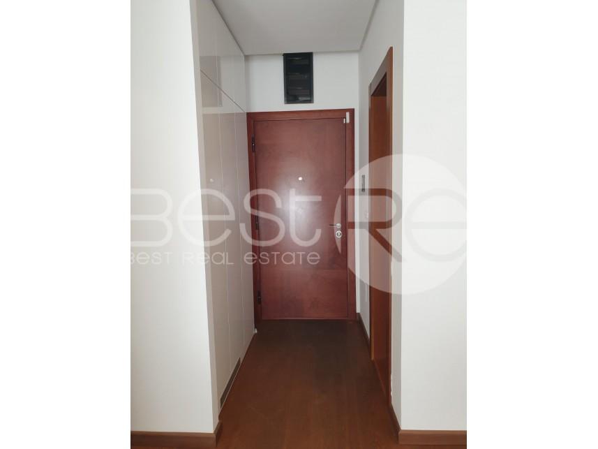 Flat in a building, Rent, Vračar (Beograd), Hram Svetog Save
