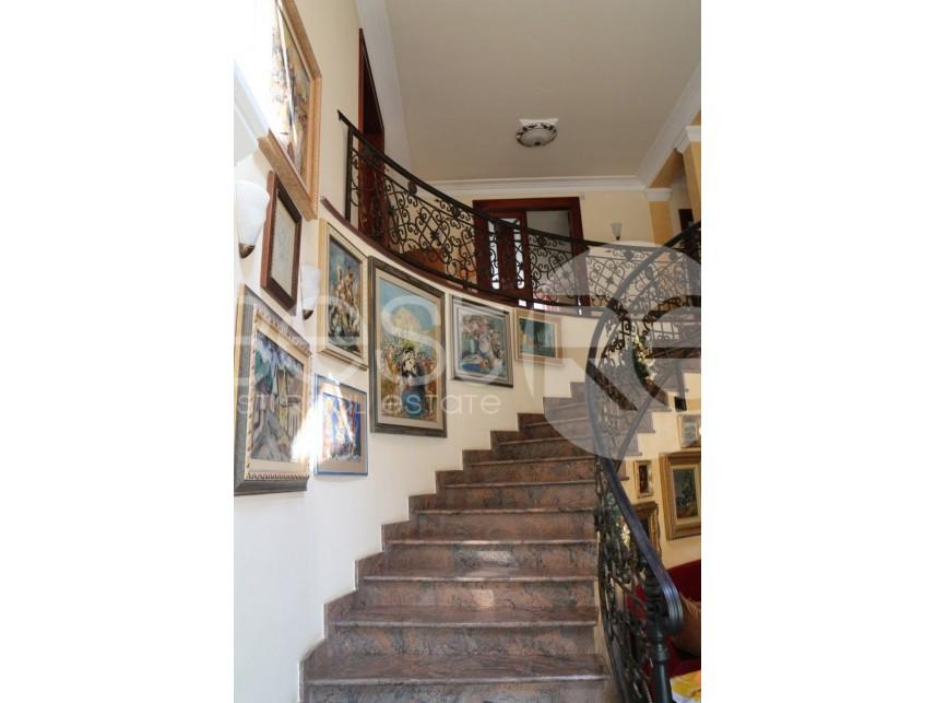 Luksuzna kuća, Prodaja, Savski Venac (Beograd), Dedinje